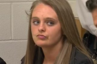 Michelle Carter Eyebrows >> Teen Alleged To Have Egged On Suicide Can Stand Trial
