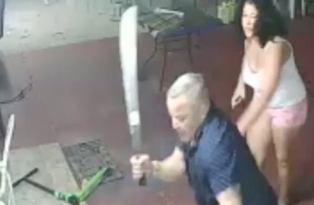 Victim Fights Off Armed Robbers With Enormous Machete