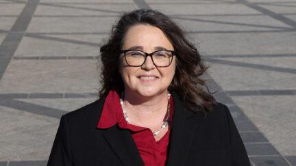 Lora Burnett